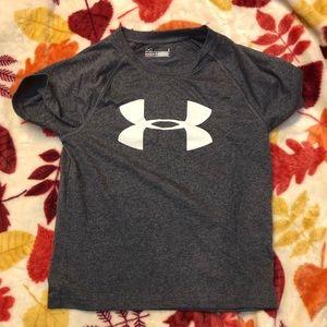 Under Armour Shirts & Tops - Under Armour heat gear short sleeve shirts
